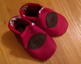 Wisconsin Badgers football baby shoes 6-12 months/ size 4 baby shower gift