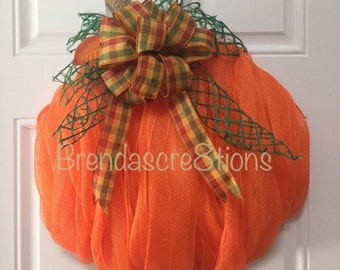 Deco Mesh Pumpkin Wreath  ~  Autumn Pumpkin ~ Fall Harvest ~ Pumpkin Wreath ~ Seasonal Wreath ~ Thanksgiving Decor ~ Pumpkin Harvest ~