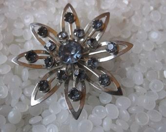 Vintage rhinestone brooch,silver tone, blue rhinestones, sapphire color pronged rhinestones