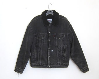 80s Levis Black Denim Jean Jacket Sherpa Lined Grey Distressed Painted Faux Sheep Lining Made in USA Mens M, Ladies L