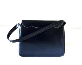 vintage navy structured handbag purse - 1940s-50s navy leather purse w/ gold hardware