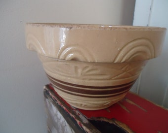 Antique Yellow Ware Mixing Bowl/Richard Ransbottom Pottery Roseville Ohio