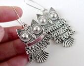 Owl Earrings, bird earrings gift, Antique silver owl bird charm dangle earrings, boho chic, holidays gift, everyday jewelry, by balance9
