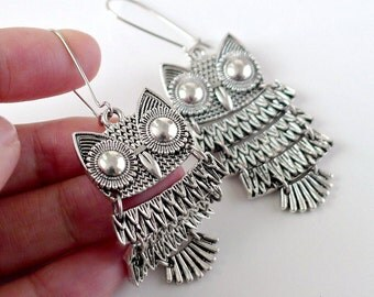 Owl Earrings, bird earrings gift, Antique silver owl bird charm dangle earrings, boho chic, holidays gift, everyday jewelry, by balance9