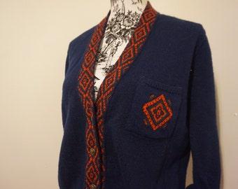 Vintage 70s Pendleton Cardigan / Navy Blue V-Neck Buttoned School Sweater Red Knit Patterns Pocket / Crested Metal Buttons / Women Hipster