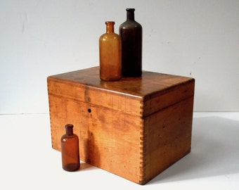 Vintage Wood Box with Hinged Lid / Distressed Finish / Notions Box / Potions Box / Storage Organization / Secret Storage / Gift Box