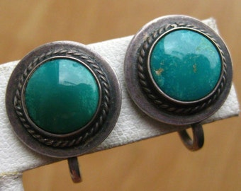 Vintage 50s 60s Navajo Indian Sterling Silver & Turquoise Round Screw Back Earrings