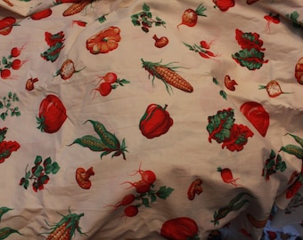 Fabulous Vintage 1940s Novelty Vegetable Veggie Print Fabric Kitchy Kitchen