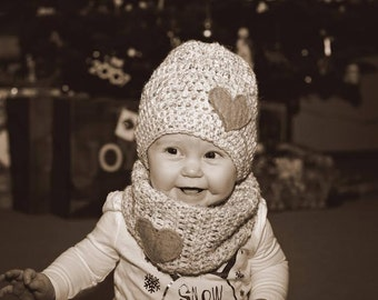 Crochet Beanie and Neck Cowl with Felt Heart Set(Off White w/Green Heart)~Ready to Ship~FREE SHIPPING