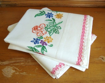 Vintage Pair of Embroidered Cotton Muslin Pillowcases w/ Hand Tatted Trim Lovely