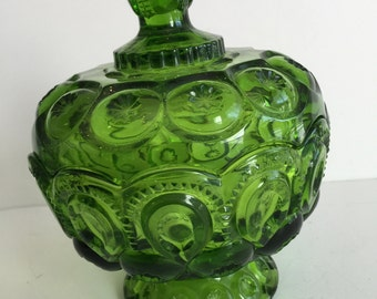 Vintage Candy Dish with lid/ Green Color Compote with lid candy dish/ Green Glass Candy dish/ Green Color Vintage Compote/ Green Bowls