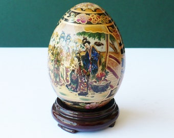 Satsuma Egg, Porcelain Moriage, Geishas Ladies, Made in China, Hand Painted, Collectible Egg, Stand