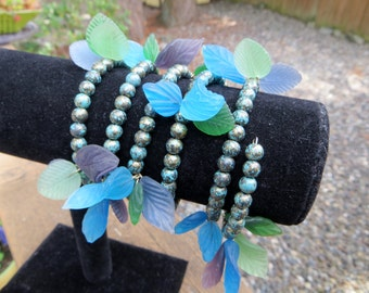 Glass Leaves Memory Wire Wrap Bracelet Blues and Greens Leaves Vintage Beads Unique and Lovely Wire Wrap Bracelet