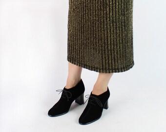 VINTAGE 1990s Black Velvet Heels Size 6