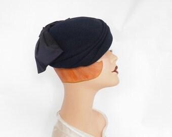 Vintage 1950s hat, navy blue tilt, wide bow