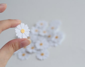 30 Daisy Flower table decoration confetti scrapbooking
