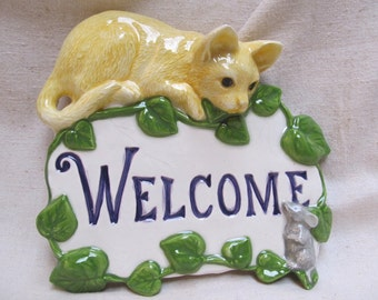 Yellow Cat welcome sign
