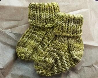 Wee Pea! baby socks | pdf knitting pattern | fits newborns - 12 months