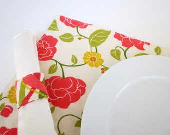 Pair of Reversible Placemats and Napkin Rings: Ribbons and Flowers