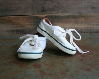 Vintage White Canvas Baby Boat Shoes by Toddletime Size 3