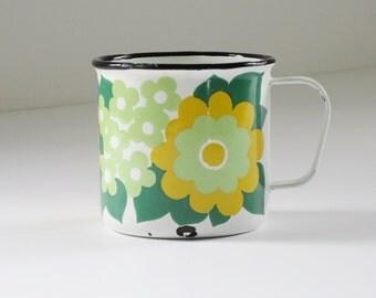Mid Century Finel Daisy Enamel Mug, Vintage Elisa Green Yellow Enamel Mug Coffee Cup,  MCM Kitchen Finel Kaj Franck, Glamping Camping
