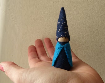 Shooting Star Gnome, nature table decoration, peg doll gnome with wool felt