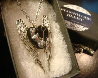 Mermaid with  Tiny Key on Angel Wings Steampunk  Necklace (2078)