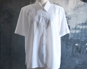 White Short Sleeve Vintage Blouse with Pretty Cutout Details and Faux Pearl Buttons; Size Large