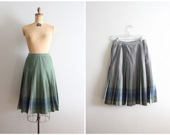 vintage 50s pleated wool turnabout skirt - 50s reversible plaid skirt / Highland Plaids - dove gray & olive green plaid skirt / wool skirt