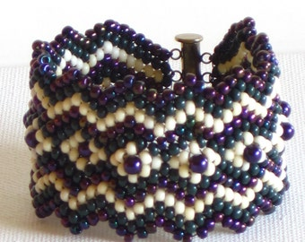 Native American bracelet in purple, green and cream with pearls