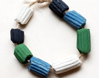 Immensity of the sea -- 8 textured ceramic beads