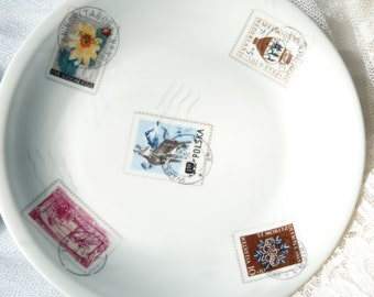 Set Of 4 Limoges Porcelain Singer Dessert Plates - Stamps Pattern - Porcelain Singer Limoges France - Table Decor - No Chips - Vintage Finds