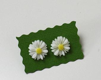 White summer Stud earring Resin *reday to ship*