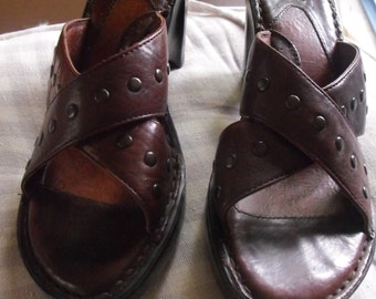 New BORN shoes size 9 brown womens sandals Like new Leather ladies high heel sandal