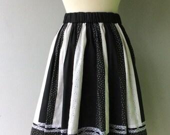 1960's BLACK & WHITE Full Circle Skirt