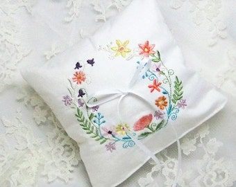 Embroidered Wedding Ring Bearer Pillow, Vintage Style Wedding Ring Pillow, White Ivory Ring Cushion, Floral Wreath Embroidery, Faux Rings