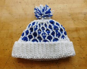 Pom Pom Hat Vintage 1980s Knit Tobbogan Cap in Blue & White