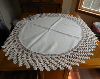 """Gorgeous Vintage Table Topper Tablecloth 6"""" Crocheted Lace Edging"""