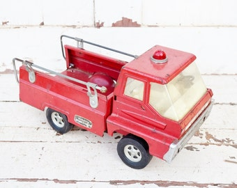 Structo Steer-O-Matic Fire Truck Vintage Toy Rescue Vehicle Red White Steel Chippy Paint Parts Restore Decor Garden 1960's