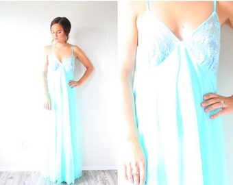 20% OFF BIRTHDAY SALE Vintage maxi blue lace nightgown // boho dress // night gown dress // simple dress // lace blue dress // teal dress //