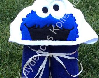 Blue monater hooded bath towel