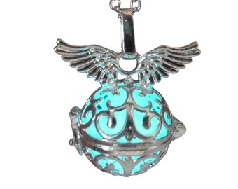 Legend of zelda fairy Angel wings necklace AQUA glow in the dark jewelry pendant magical fantasy Harmony charm harry potter golden snitch