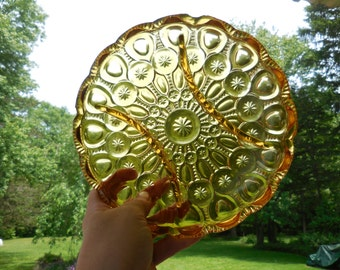 Vintage 1950s to 1960s Amber/Yellow Glass Dish Round Scalloped Divided Dish Daisy