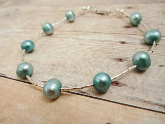 Sterling Silver Bracelet, Pearl Bracelet, Green Gemstone bracelet, Liquid Silver Jewelry, Dainty Bracelet, Gemstone bracelet, Pearl Jewelry