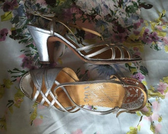 Vintage 20s 30s silver flapper shoes