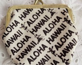 Aloha Hawaii kiss lock coin purse / retro travel tourist souvenir / 1970s kitschy cool