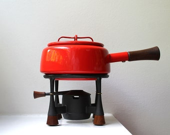 Mid Century Modern Dansk Kobenstyle Red Enamel / Cast Iron / Teak Fondue Set Jens Quistgaard
