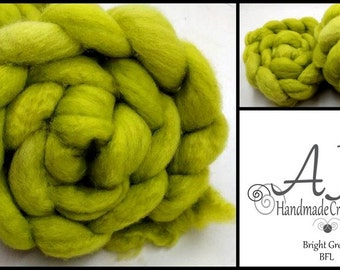 SALE Bright Green 4oz BFL Blue Faced Leicester Wool Spinning Fiber Felting Combed Top Roving