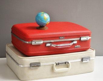 Vintage Off-White Vinyl J.C. Penny Suitcase
