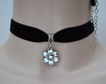 FLOWER CHARM BLACK 16mm Velvet Ribbon Choker - ig.. or choose another colour velvet :)